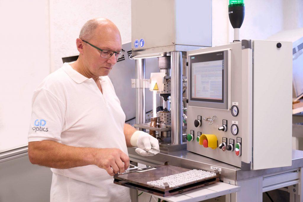 gdoptics-mikrolinsen-produktion-verfahren